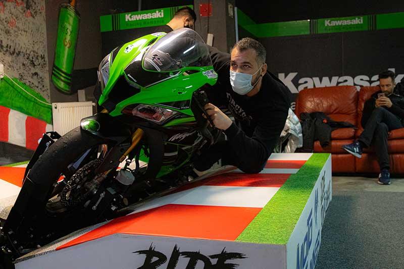 Moto Trainer indoor event