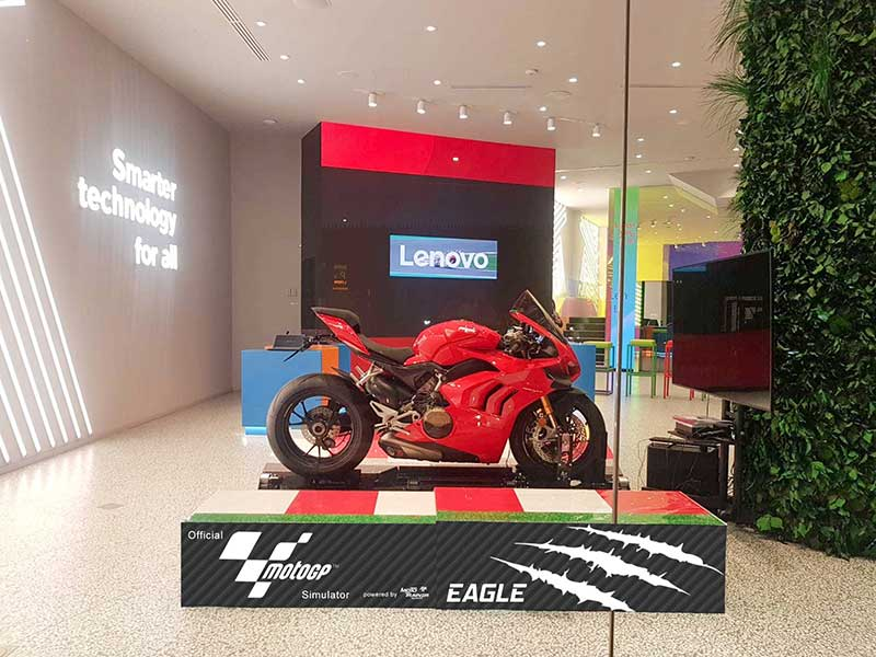 Moto Trainer mall event